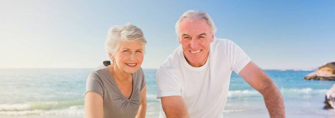 an-old-couple-seaview-bicycle-1
