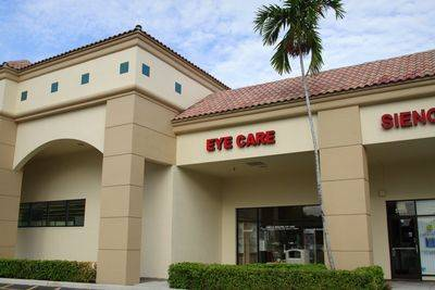 Exterior of Glass Vision Associates in East Boca Raton, FL
