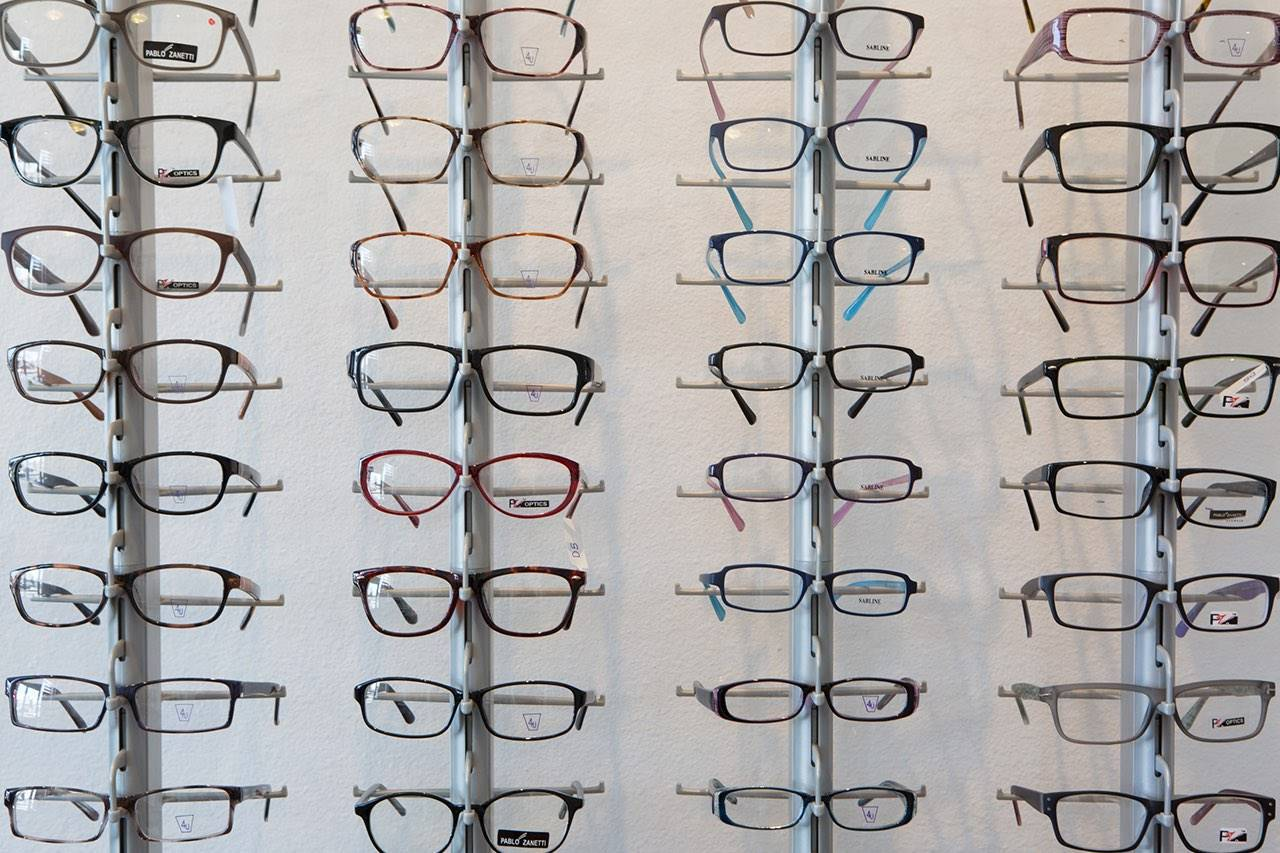 glasses-wall-display