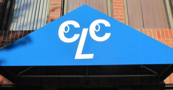 blue canopy sign about the contact lens centers in dallas, richardson, and carrollton tx