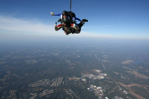 skydiving_thumbs_up