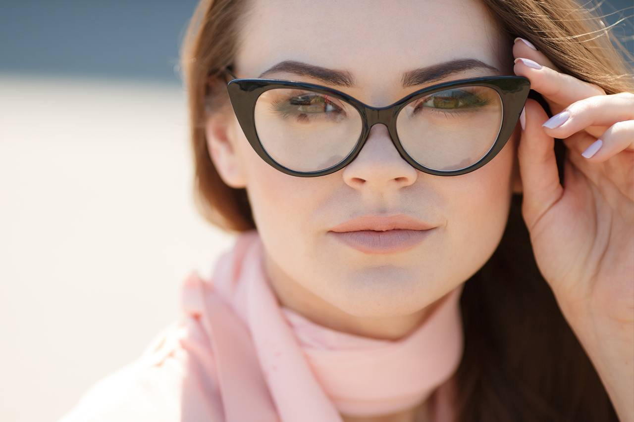 Girl Modern Glasses 1280x853