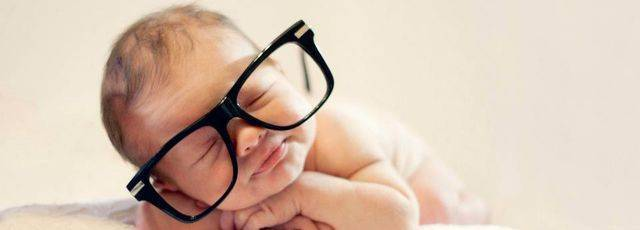 baby-with-black-frames