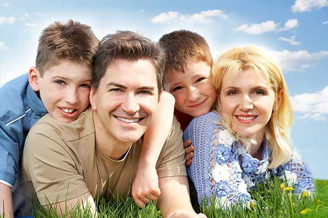 happy family, wearing contact lenses for myopia control in Waterloo, ON