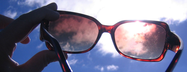 redsunglasses_in_the_sun650.png