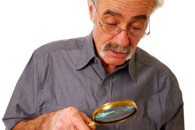 Senior-Man-Magnifying-Glass-640x427