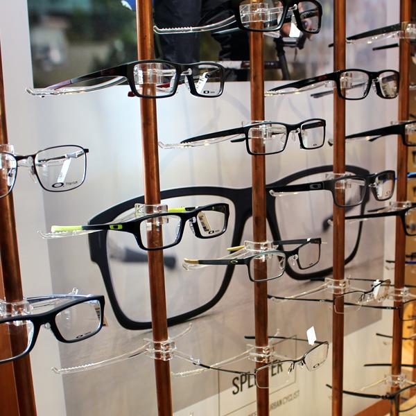oakley-frames-2.fw_.png