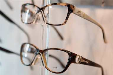 glasses_display_closeup