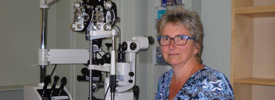 Eye doctor, Dr.Van in Freelton, ON