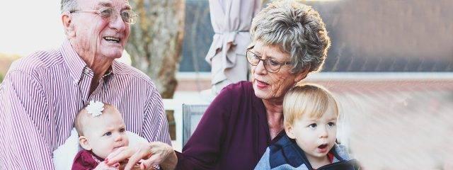 Eye doctor, senior couple with their grandchildren in Lake Mary & Orlando, FL