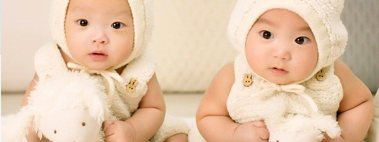 babies-dressed-as-bunnies-1280x480