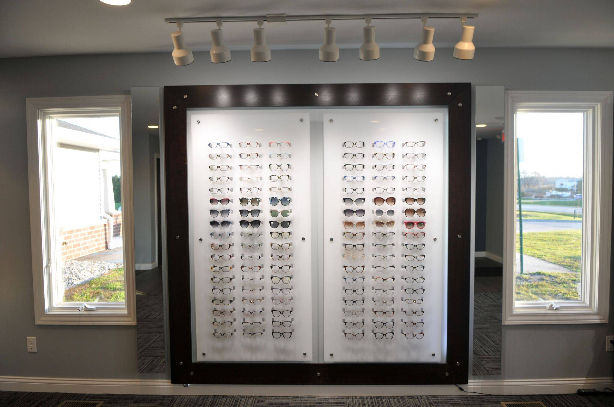 wallglasses2