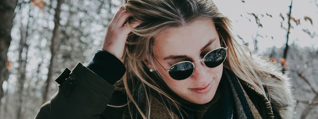 Female20Sunglasses20Outdoors20Winter201280x480_preview1.jpeg