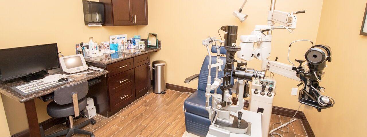 eye doctor poway