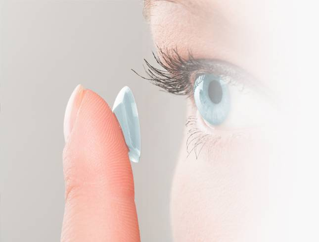 contact lenses fitting by our Federal Way optometrist