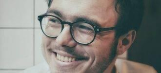 man eyeglasses happy_1280x853 330x150