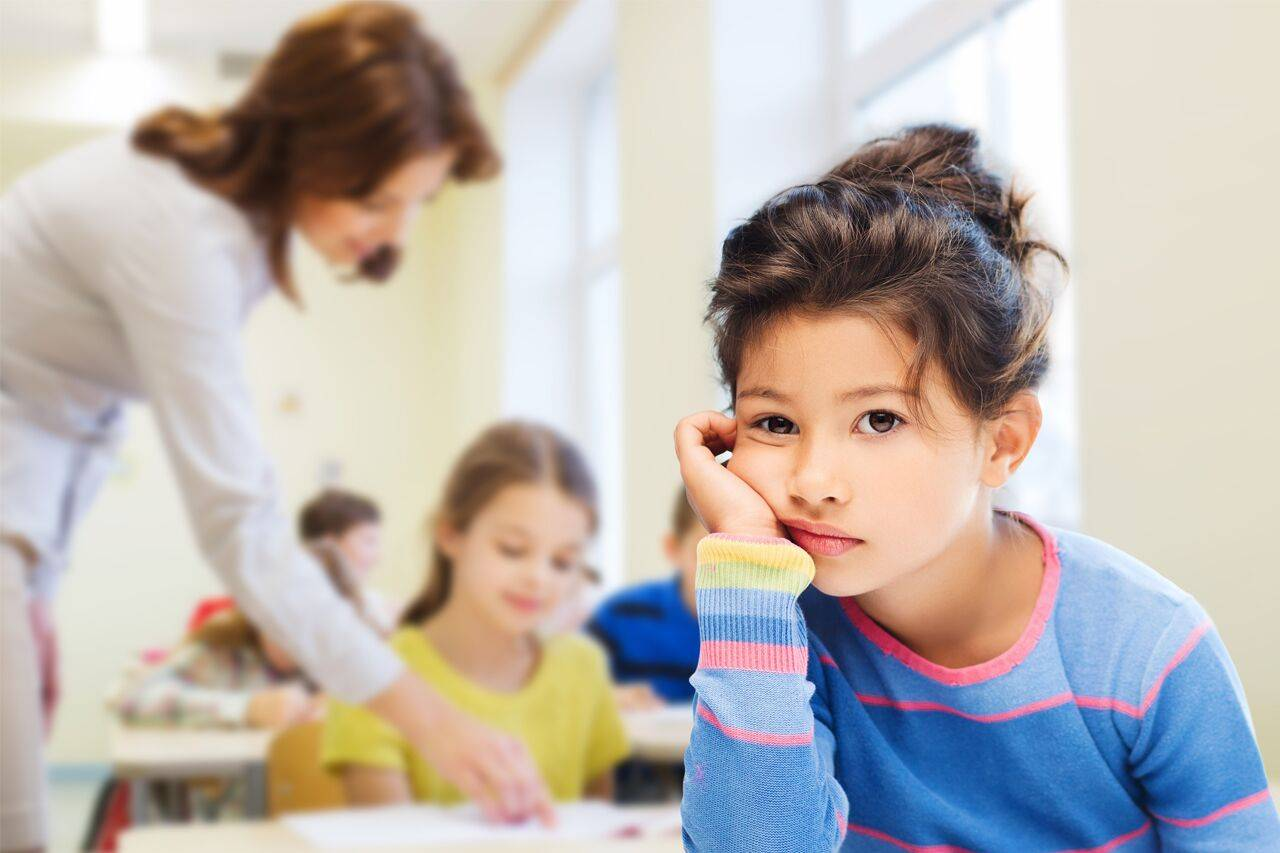 girl not concentrating in class