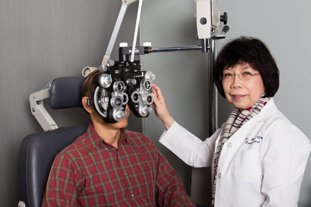 dr-lena-exam-room-patient-e1512495067943