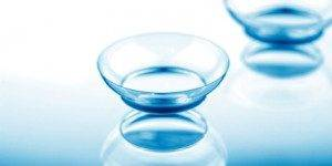 contact lens with blue istock_000019150372xsmall 2 300x199 300x150