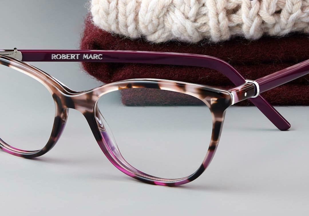 purple-glasses-robert-marc.png