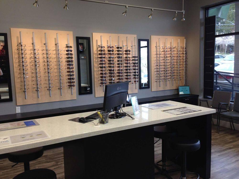 eyeglasses Alluvia, BC