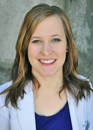 Dr-Lauren-Hansen