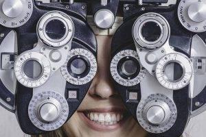 girl_eye_exam2 bkground_med 300x200