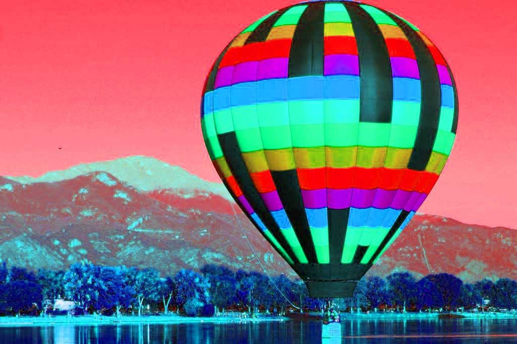 Large Colorful Hot Air Balloon 1280×853 1024×682