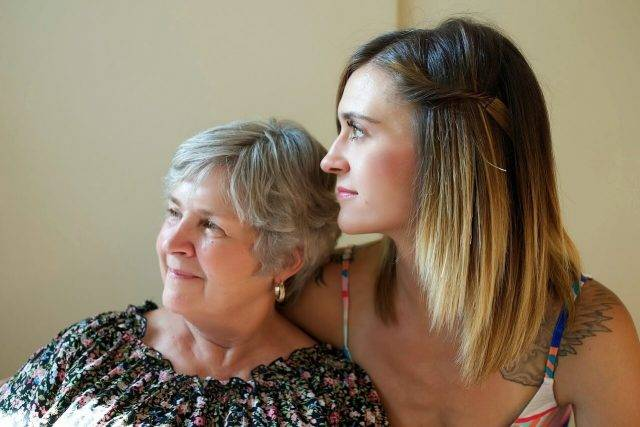 eye wear, mother and daughter home care for treatment of dry eye in Lewis Center, OH