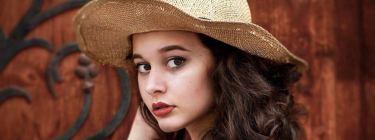 Optometrist girl wearing bifocal contact lenses in El Segundo, Redondo Beach, CA
