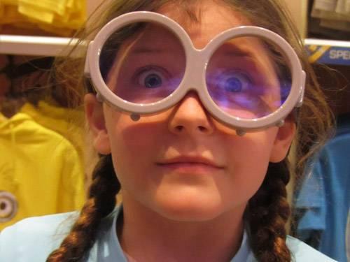 girl-in-funny-glasses