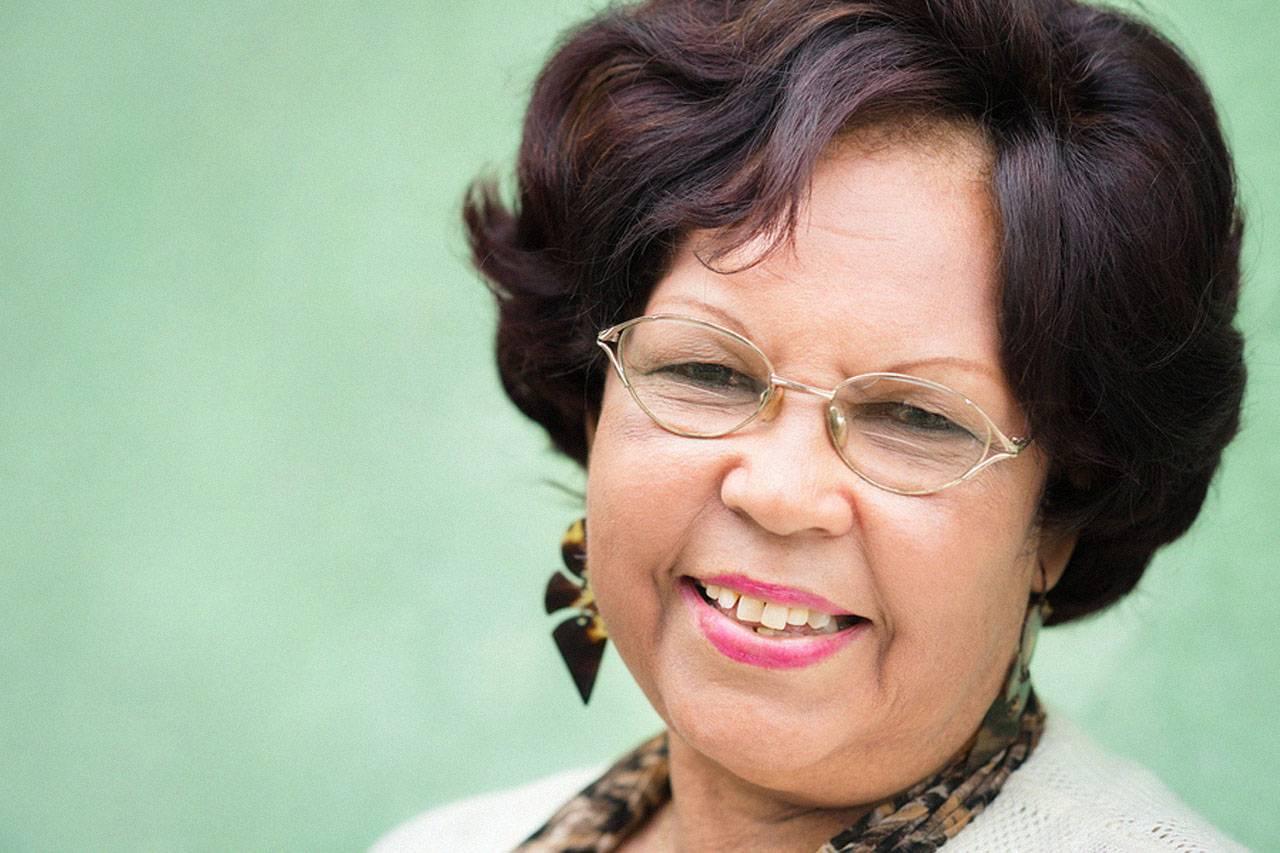 hispanic woman wearing eyeglasses