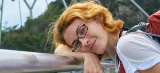 Woman Glasses Backpack Bridge 1280x480 330x150