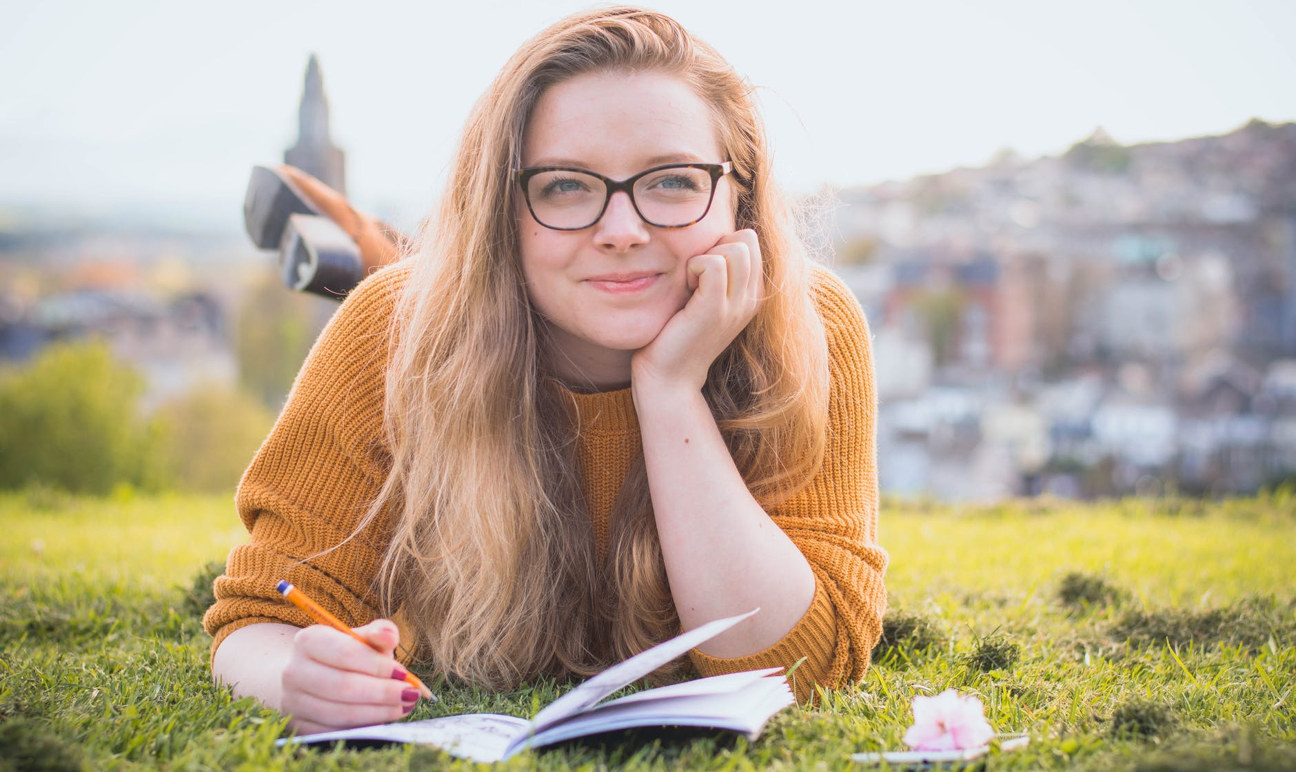 girl with myopia, wearing glasses
