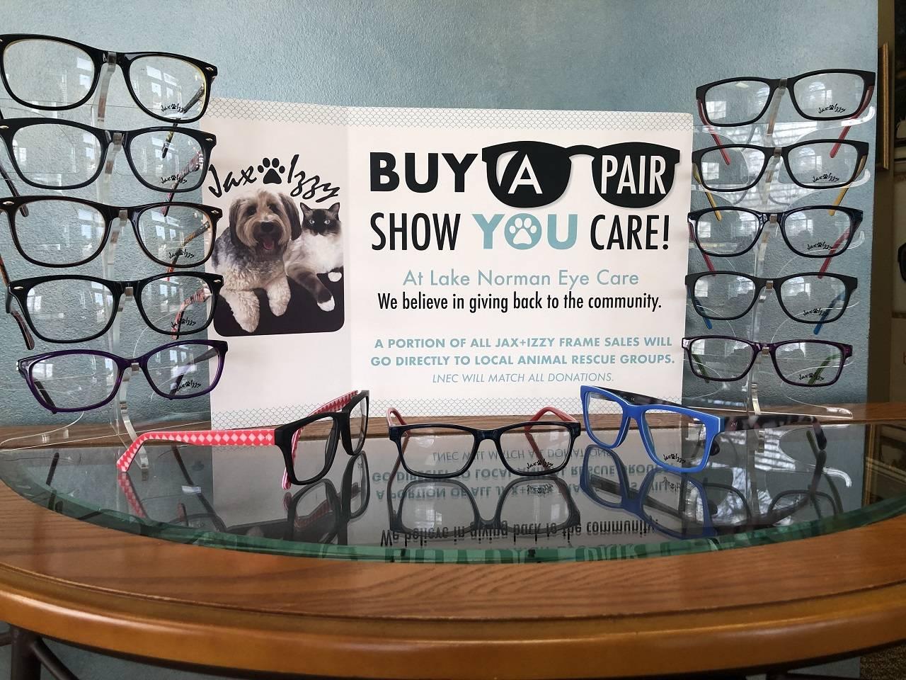 Jax and Izzy Eyewear Display
