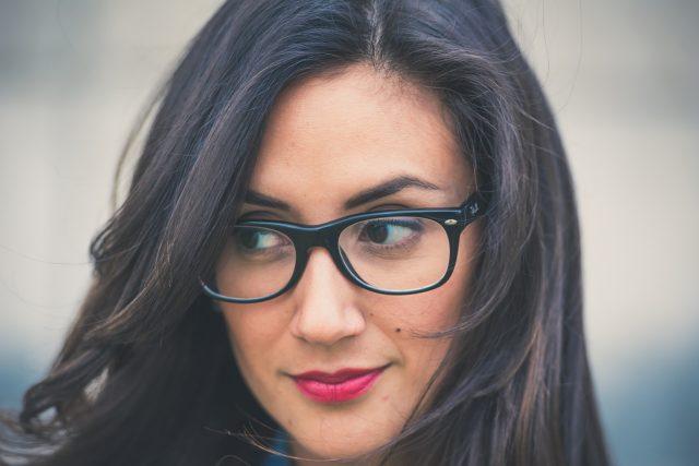 Girl Glasses Dark Hair 1280x853 640x427