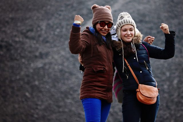 Friends-Hats-Sunglasses-Winter-1280x853-640x427