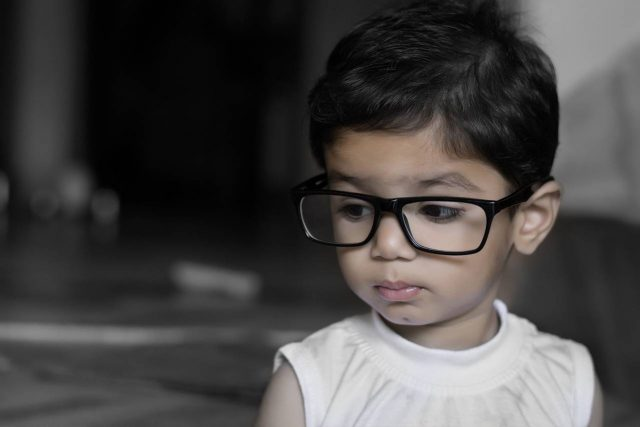 Young Child Big Glasses 1280x853 640x427