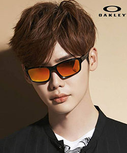 oakley_250x300