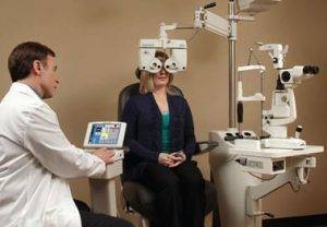 Auto Phoroptor eye exam east Orlando FL