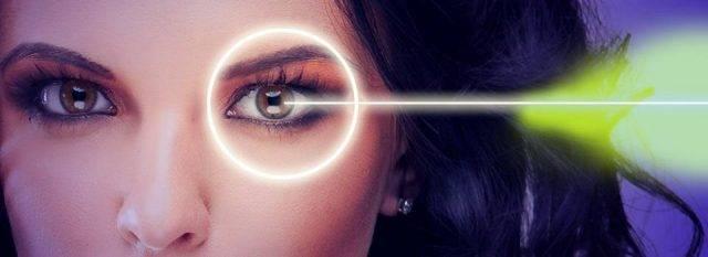 Eye doctor, woman lasik surgery in Fairhope, Alabama