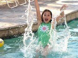 girl_in_pool