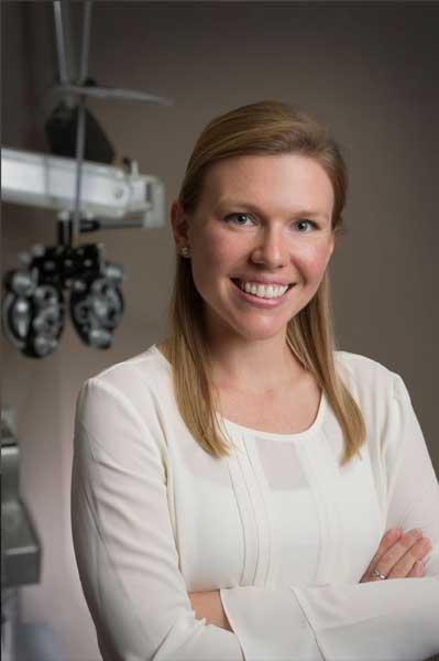 Dr.-Victoria-Lomax
