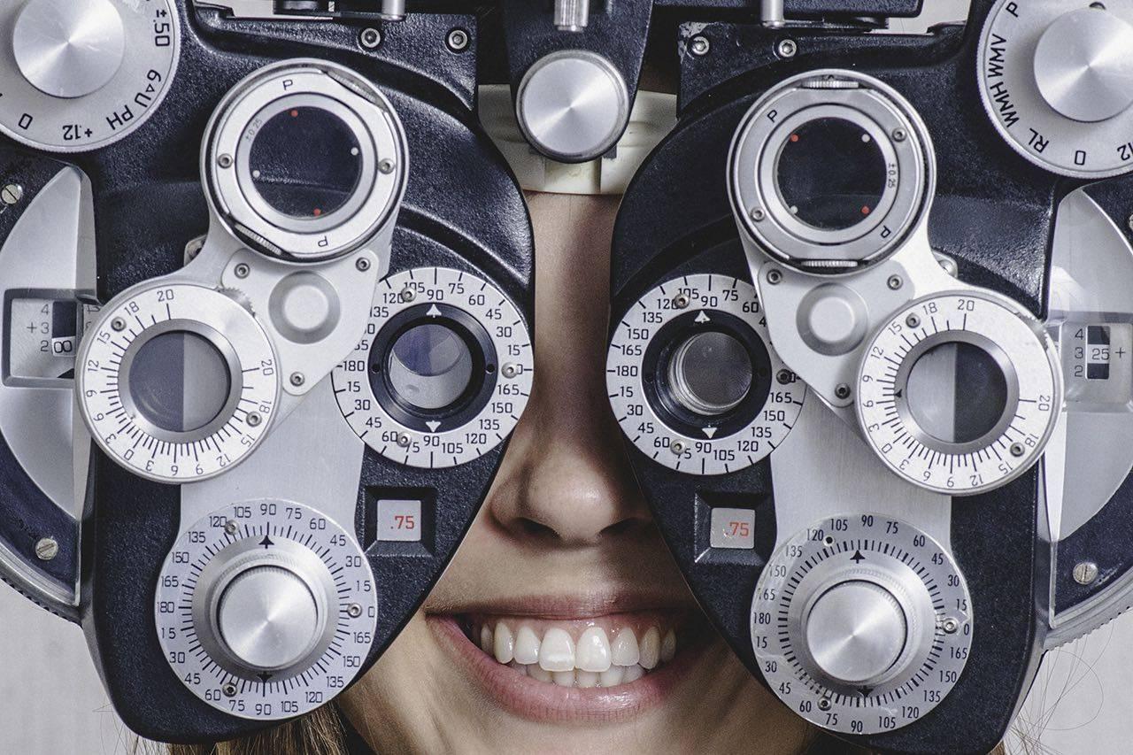 girl_eye_exam2 bkground_med