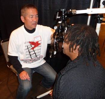 Dr. Lim provides free eye exams in San Jose and Milpitas as part of Project Homeless.