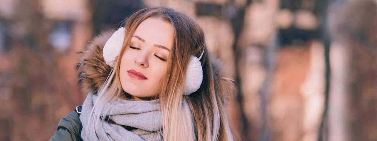 Girl Enjoying Winter Weather 1280x480