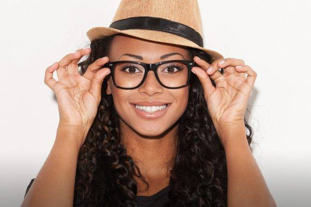 Glasses-On-Smiling-Woman-2000x853-lo-640x427