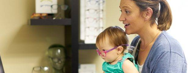 Eye doctor, mother with her baby in Cobble Hill, Duncan, Lake Cowichan and Chemainus, BC