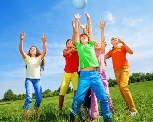 kids sport cropped