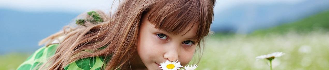 girl-and-flowers-1280x480